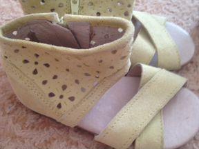 Милые сандали на лето для девочки