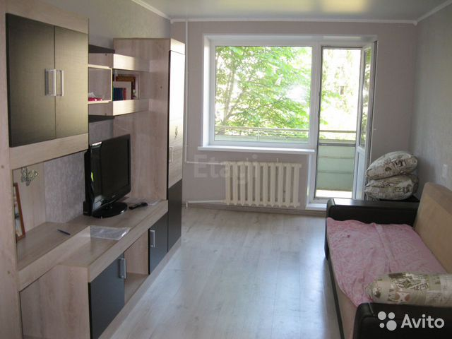 Продается двухкомнатная квартира за 1 900 000 рублей. г Саратов, ул Топольчанская, д 1Б.