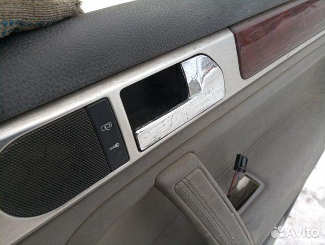 Обшивка двери задняя правая Volkswagen Touareg купить 3