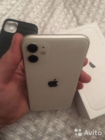 Телефон iPhone 11  купить 3