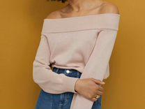 Женский джемпер с открытыми плечами