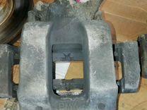 Тормозные диски с суппортами и цилиндрами
