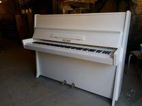 Белое пианино Petrof c 115-1