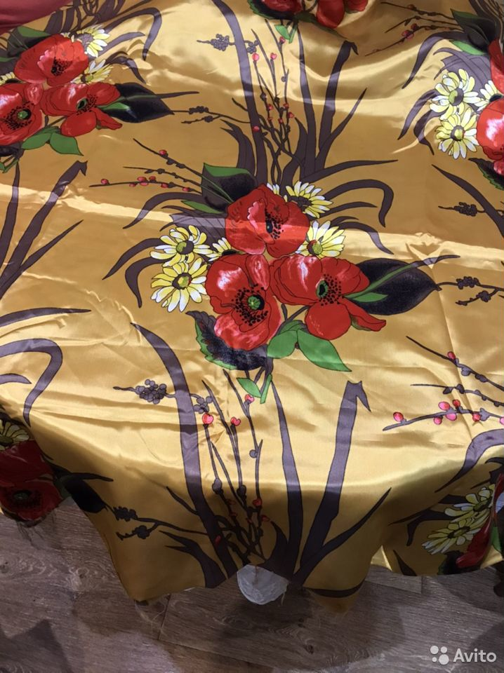 Ткань шелк атласный красивый